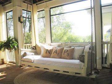 Spring Swingin' ~Your Favorite Room | SimplyFreshVintage.com