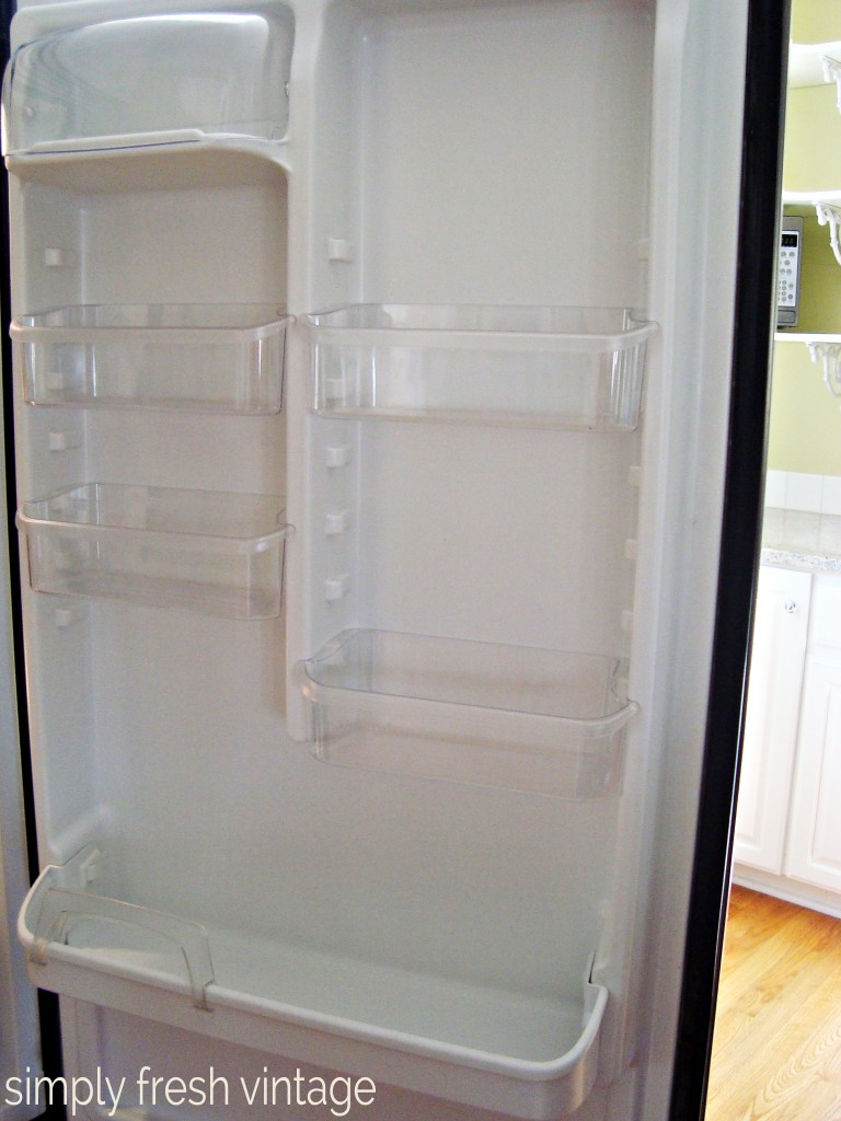 15 Minute Clean-up:  Refrigerator