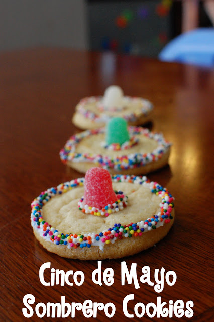 Sombrero Cookies ~ the-wilson-world.blogspot.com | SimplyFreshVintage.com