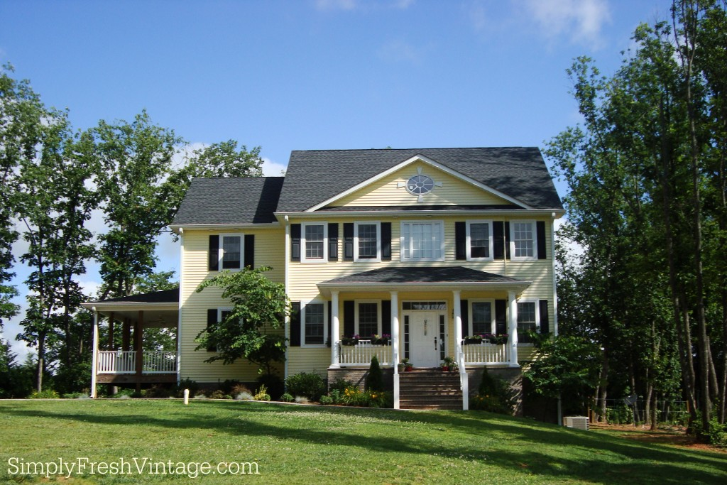 Sunnyside Manor at SimplyFreshVintage.com