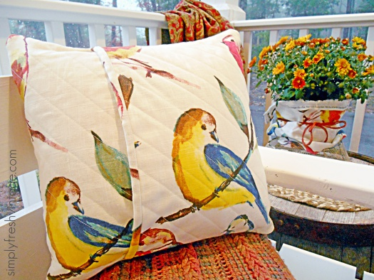 Easy DIY Pillow Tutorial | SimplyFreshVintage.com