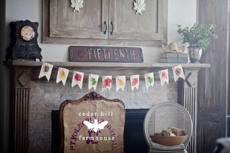 Fall Mantel from Cedar Hill Farmhouse | SimplyFreshVintage.com