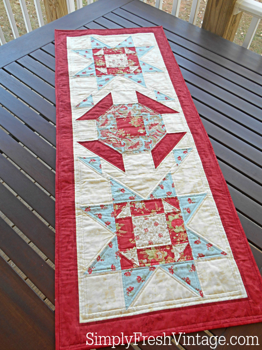 Kick off your holiday decorating and gift giving with this beautiful holiday tablerunner. | SimplyFreshVintage.com