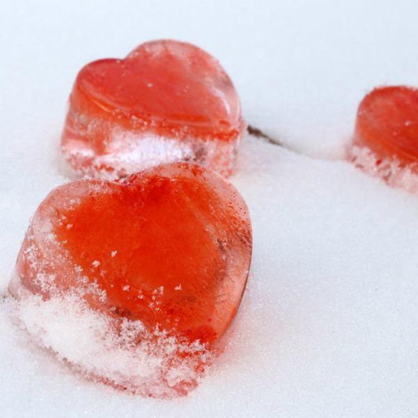Valentine Inspiration ... Decorating, crafting and recipes ... over 35 ideas!   SimplyFreshVintage.com