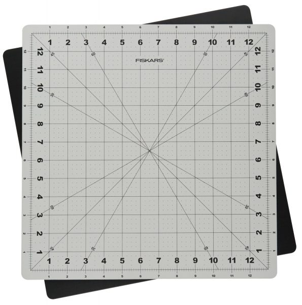 Fiskars Self-Healing Rotary Cutting Mat | SimplyFreshVintage.com