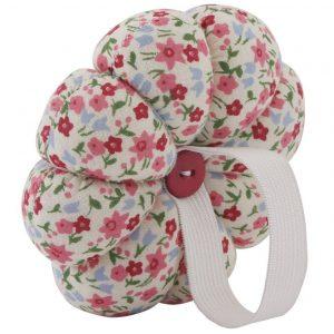Wrist Pin Cushion | SimplyFreshVintage.com